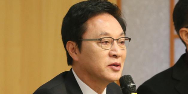 정두언 전 의원이 19일 서울 여의도 국회 의원회관에서 열린 새누리당 탈당파 '고백, 저부터 반성하겠습니다' 토론회에서 발언을 하고 있다.