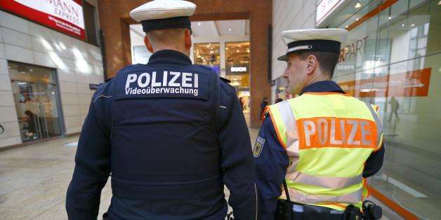 Beamte der Bundespolizei am Kölner Hauptbahnhof (Symbolbild)