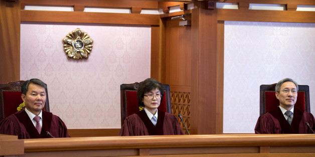 27일 오후 서울 종로구 재동 헌법재판소 소심판정에서 수명재판관인 이진성, 이정미, 강일원 재판관이 참여한 가운데, 박근혜 대통령 탄핵심판 2차준비기일이 공개심리로 진행되고 있다