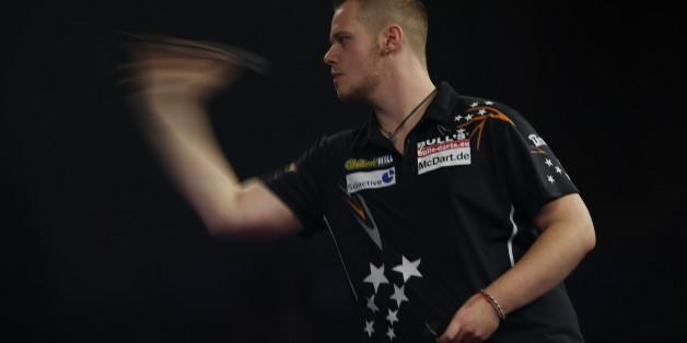 Max Hopp kann heute in das Achtelfinale der Darts-WM einziehen