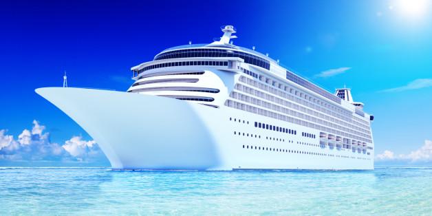 3D Cruise Destination Ocean Summer Island Concept
