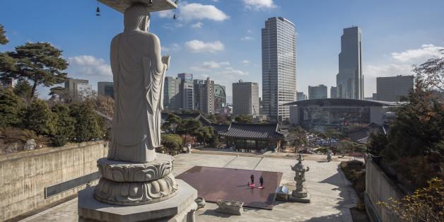 Korea, Seoul, Bong-eum Buddist Temple