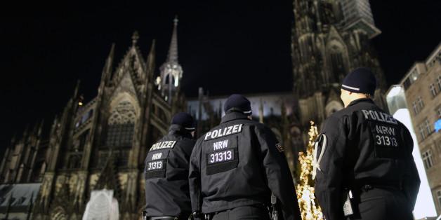Die Kölner Polizei verbietet neben einer NPD-Demonstration nun auch eine zu Silvester geplante AfD-Versammlung vor dem Kölner Dom.