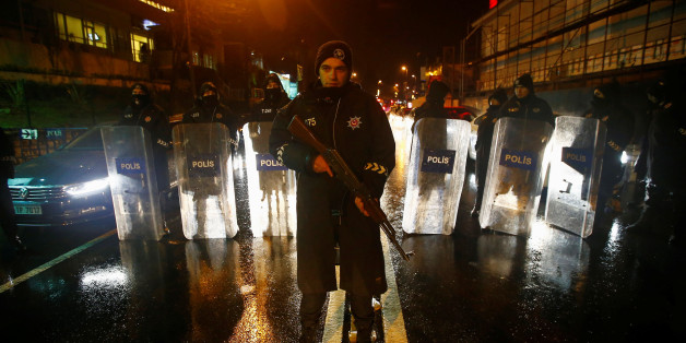 Police secure an area near an Istanbul nightclub, following a gun attack, Turkey, January 1, 2017. REUTERS/Osman Orsal