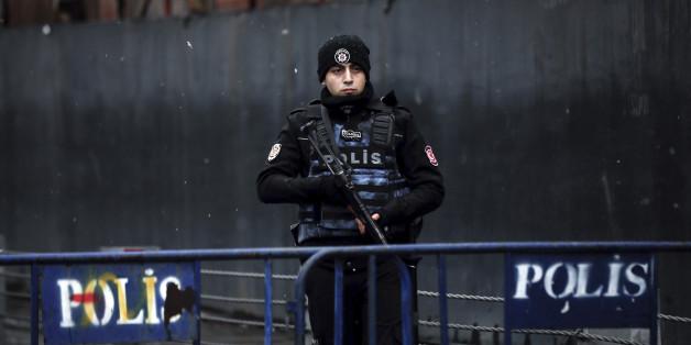 Nach Anschlag in Istanbul: Vom Täter fehlt immer noch jede Spur