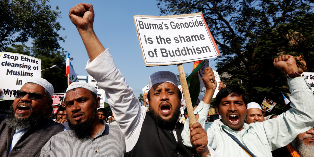 People shout slogans as they take part in a protest march against what they say are killings of Rohingya Muslims in Myanmar, in Kolkata, India December 7, 2016. REUTERS/Rupak De Chowdhuri