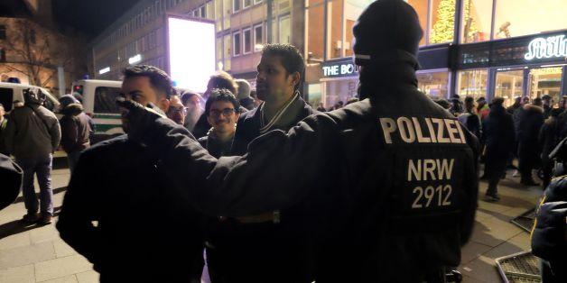 Die Polizei in Köln steht nach der massenhaften Kontrolle von nordafrikanisch aussehenden Männern in der Kritik