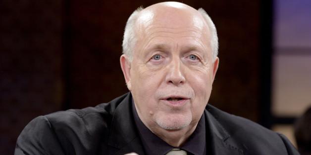 """Reiner Calmund und die """"Promi-Darts-WM"""": Mitten in der Sendung sagte er die Teilnahme ab"""