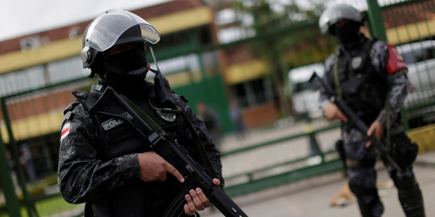 Soldiers of the military police are seen during a security operation outside of Puraquequara prison in Manaus after some prisoners were relocated following a deadly revolt, January 5, 2017. REUTERS/Ueslei Marcelino