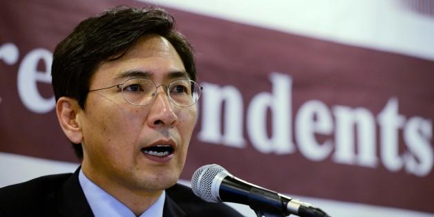 안희정 충남지사가 11일 오후 서울 중구 태평로 한국프레스센터에서 열린 외신기자클럽 초청 간담회에서 모두발언을 하고 있다.