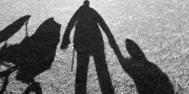Vater wird verdächtigt, seine Kinder entführt zu haben – die einzige Spur ist eine WhatsApp-Nachricht