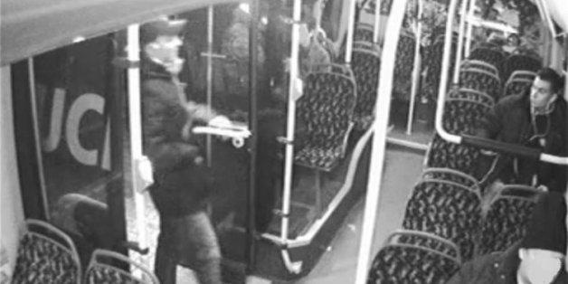 Die Tatverdächtigen im Überwachungsvideo