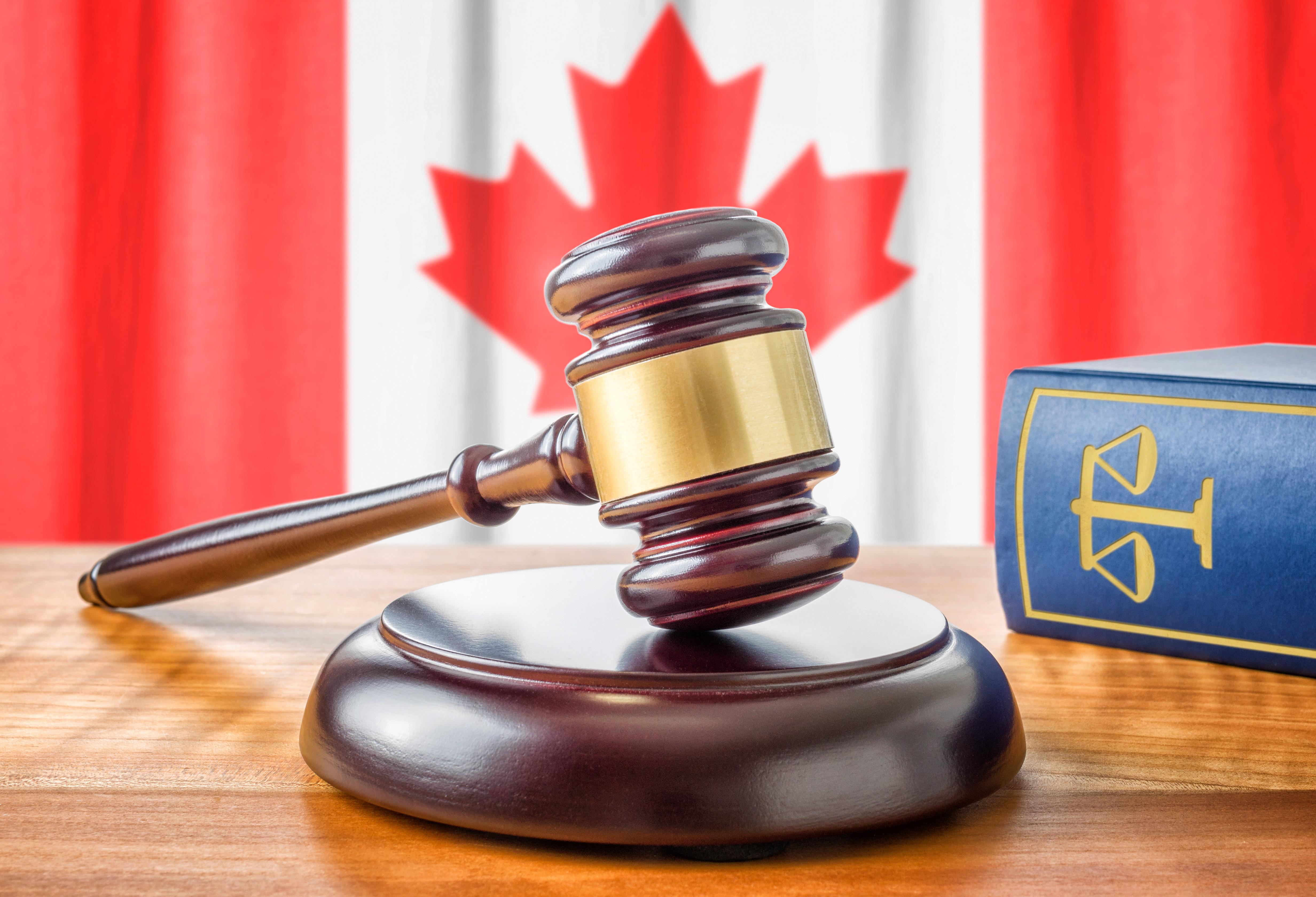canada court gavel