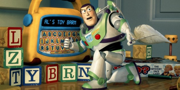 """ATTENTION: THIS PICTURE HAS BEEN BINNED, DO NOT USE. UNDATED PUBLICITY PHOTO - FOR USE WITH STORY LEISURE-MOVIES - Buzz Lightyear uses a toy to plan a daring rescue of his pal Woody in Disney/Pixar's new computer animated comedy adventure film """"Toy Story 2,"""" which opens in the United States November 19.  FSP/HB"""
