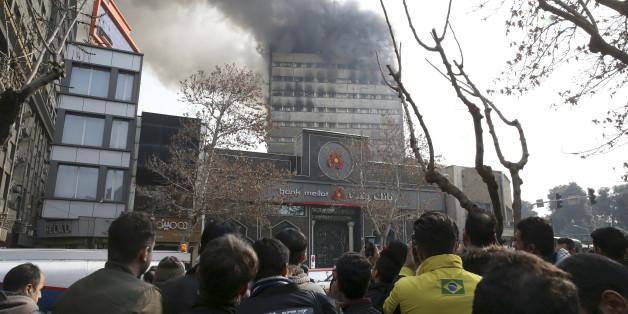 In Teheran ist ein Hochhaus eingestürzt