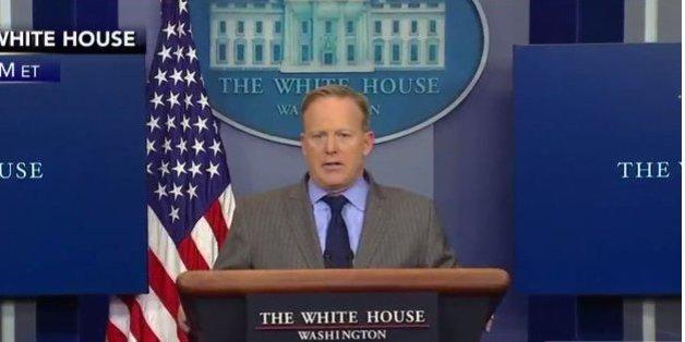 Le premier débriefing de Sean Spicer, porte-parole de la Maison Blanche, en a abasourdi plus d'un