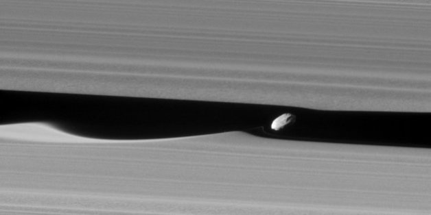 Ça, ce sont les anneaux de Saturne