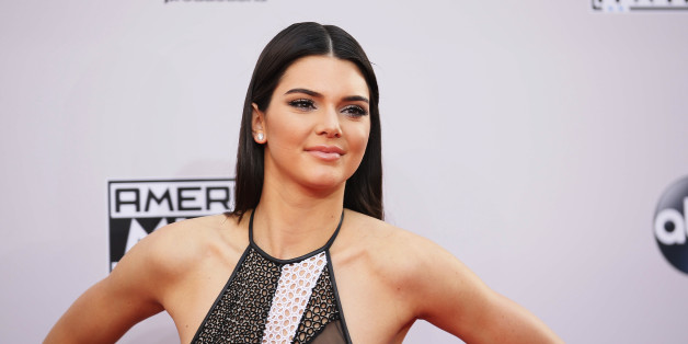 Model Kendall Jenner arrives at the 42nd American Music Awards in Los Angeles, California November 23, 2014.  REUTERS/Danny Moloshok    (UNITED STATES-Tags: ENTERTAINMENT)(MUSIC-AMERICANMUSICAWARDS-ARRIVALS)