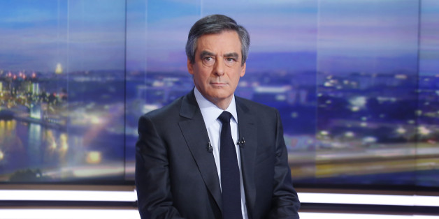 Francois Fillon, former French prime minister, member of The Republicans political party and 2017 presidential candidate of the French centre-right, is seen prior to a prime-time news broadcast in the studios of TF1 in Boulogne-Billancourt, near Paris, France, January 26, 2017.   REUTERS/Pierre Constant/Pool