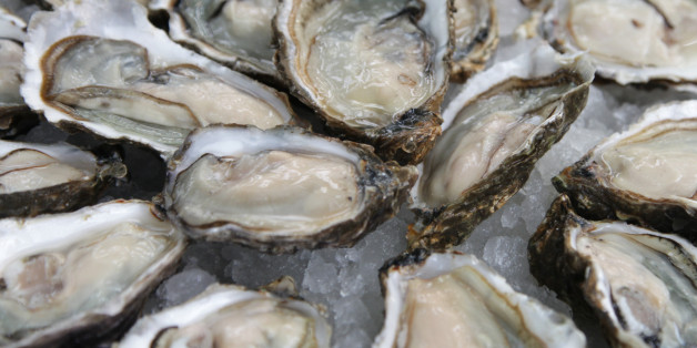 Plate of Iced Oysters