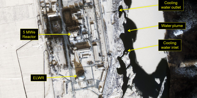 YONGBYON NUCLEAR FACILITY, NORTH KOREA - JANUARY 22, 2017:  Figure 2. Water plume originating from the 5Mwe Reactor cooling water outlet. Date: January 22, 2017. Mandatory credit for all images: DigitalGlobe/38 North via Getty Images