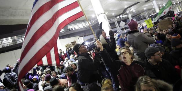"""Die Presse verurteilt den Einwanderungsstopp von Flüchtlingen in die USA als """"unamerikanisch und unmenschlich"""""""
