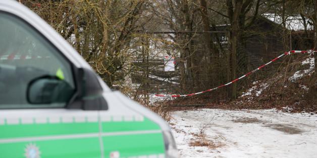 Am Sonntag entdeckte ein Mann in Arnstein sechs tote Menschen in seinem Gartenhäuschen