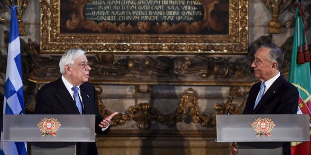 Greek President Prokopios Pavlopoulos (L) and Portuguese President Marcelo Rebelo de Sousa (R) hold a press conference at the University of Coimbra in Coimbra on January 30, 2017. / AFP / PATRICIA DE MELO MOREIRA        (Photo credit should read PATRICIA DE MELO MOREIRA/AFP/Getty Images)