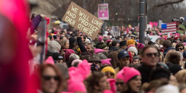 """""""Wir werden einander lieben und beschützen"""" - friedlicher Protest gegen Donald Trump"""