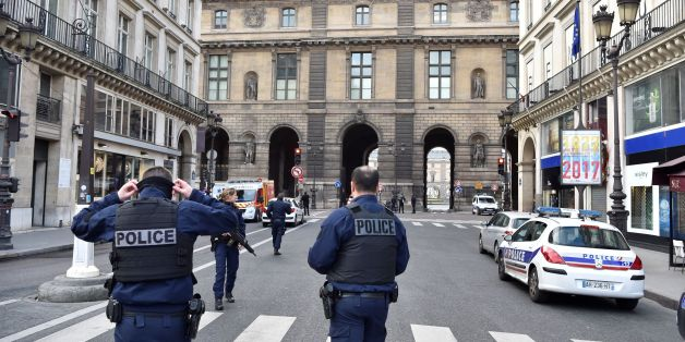 French police officers patrol near the Louvre museum on February 3, 2017 in Paris after a soldier has shot and gravely injured a man who tried to attack him.'Serious public security incident under way in Paris in the Louvre area,' the interior ministry tweeted on February 3 as streets in the area were cordoned off to traffic and pedestrians.  / AFP / ALAIN JOCARD        (Photo credit should read ALAIN JOCARD/AFP/Getty Images)
