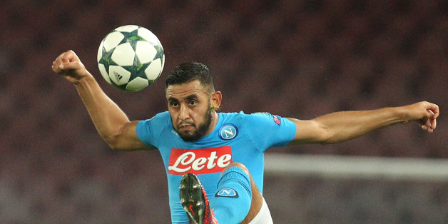 Napoli's defender from Algeria Faouzi Ghoulam controls the ball during the UEFA Champions League football match Napoli vs Dynamo Kiev on November 23, 2016 at the San Paolo stadium in Naples. / AFP / Carlo Hermann        (Photo credit should read CARLO HERMANN/AFP/Getty Images)