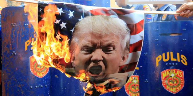 Rechtswissenschaftler sehen in den Angriffen von US-Präsident Donald Trump eine Verfassungskrise heraufziehen