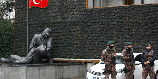 Members of the Turkish police special forces stand guard at the police headquarters in Istanbul, Turkey, January 17, 2017. REUTERS/Murad Sezer