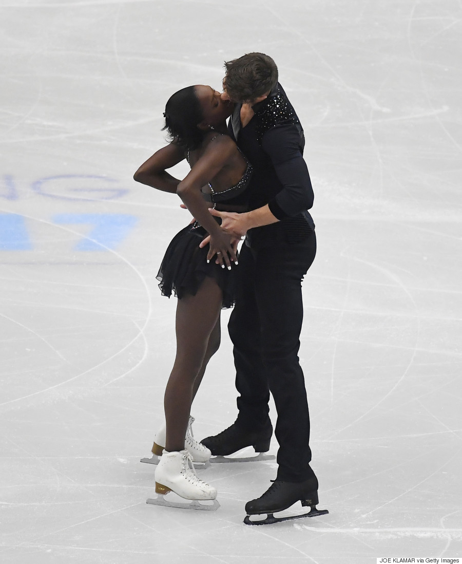 Figure Skaters Perform Sexy Fifty Shades Of Grey Routine