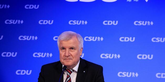 """Das Magazin """"Spiegel"""" stellt CSU-Chef Seehofer für dessen stotternde Versöhnungsrede bloß"""