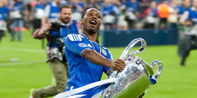 Didier Drogba est le dernier joueur à avoir fait gagné à son club la Ligue des Champions. Ici en 2012 après la victoire de Chelsea sur le Bayern Munich