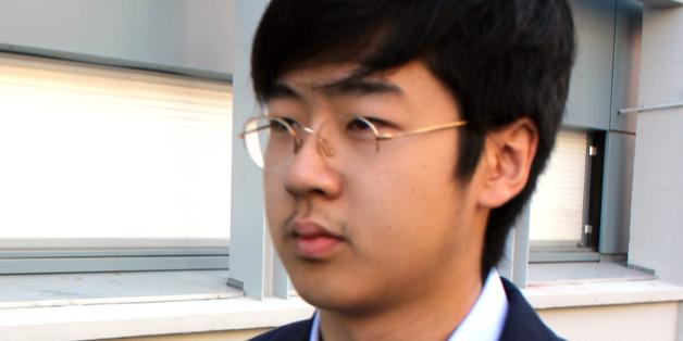 김정남의 아들 김한솔이 지난 2013년 8월 프랑스의 대학에 등교하는 모습.