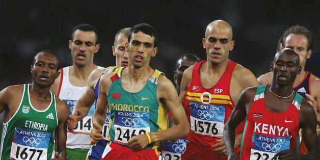 Été 2004 - Hicham El Guerrouj, médaillé d'or lors de la finale du 1500 mètres aux Jeux Olympiques d'Athènes