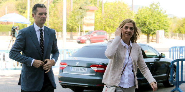 Spain's Princess Cristina arrives at court with her husband Inaki Urdangarin to attend trial in Palma de Mallorca, Spain June 10, 2016. REUTERS/Enrique Calvo