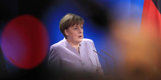 Merkel muss offenlegen, über was sie mit Journalisten in vertraulichen Gesprächen redet