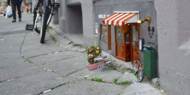 En Suède, de minuscules boutiques pour souris s'installent aux coins des rues