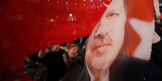 NRW will Wahlkampfauftritt Erdogans verhindern - aber es ist unklar, wie das gehen soll