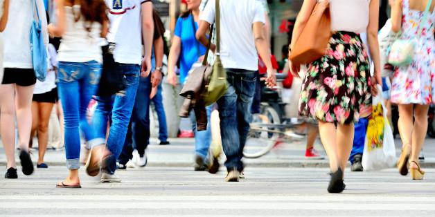 Laut dem Bericht leiden rund 1,3 Millionen junge Erwachsene an chronischen Kopfschmerzen.