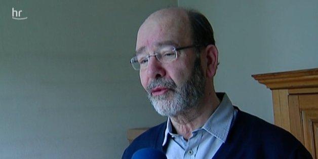 Paul Bartholomäi muss nach 30 Jahren aus seiner Wohnung in Frankfurt ausziehen.