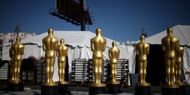 Freshly-painted Oscar statues sit in a parking lot outside the Dolby Theatre as preparations continue for the 89th Academy Awards in Hollywood, Los Angeles, California, U.S. February 23, 2017. REUTERS/Lucy Nicholson     TPX IMAGES OF THE DAY