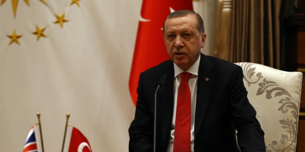 """""""Zeit der leisen Töne ist vorbei"""": Bundesregierung droht Erdogan im Fall Deniz Yücel"""