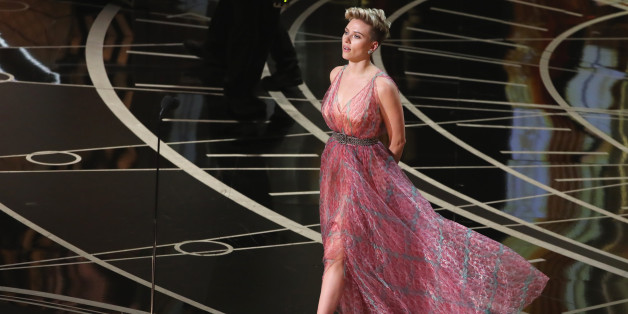 "89th Academy Awards - Oscars Awards Show - Hollywood, California, U.S. - 26/02/17 - Scarlett Johansson presents Best Original Song winner ""City of Stars"". REUTERS/Lucy Nicholson"