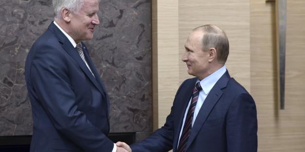 Seehofer und Putin - ein ungleiches Paar