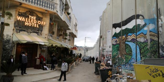 Le street artist Banksy ouvre un hôtel en Palestine