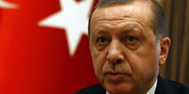 """Erdogan vergleicht Verbote von Wahlkampfauftritten mit """"Nazi-Praktiken"""""""